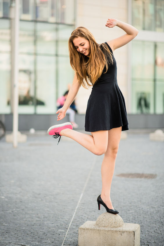 szpilki, wysokie obcasy - jak wpływają na stopę